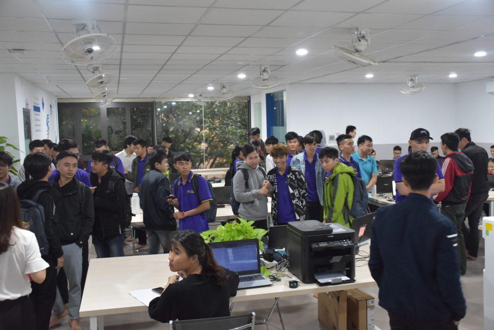 Sinh viên CNTT Đại học Phú Xuân thực tế tại công ty 3S