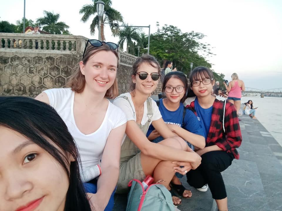 Sinh viên ngành Quản trị dịch vụ du lịch và lữ hành và khách du lịch