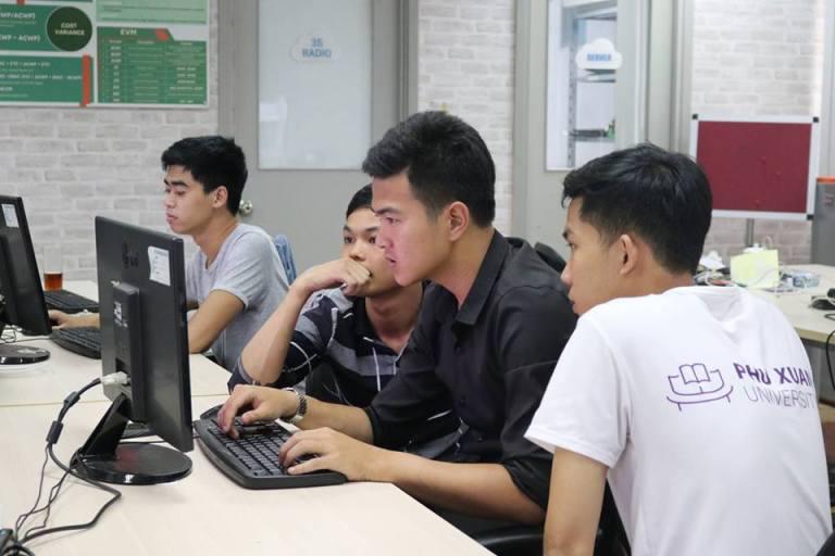 Sinh viên Trường ĐH Phú Xuân được đào tạo tại doanh nghiệp